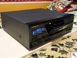 S830S сбоку с открытым кассетоприёмником